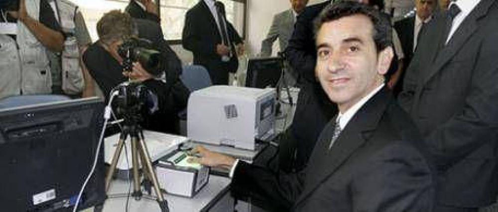 """El Gobierno acusa a Carrió de dar """"información falsa"""""""