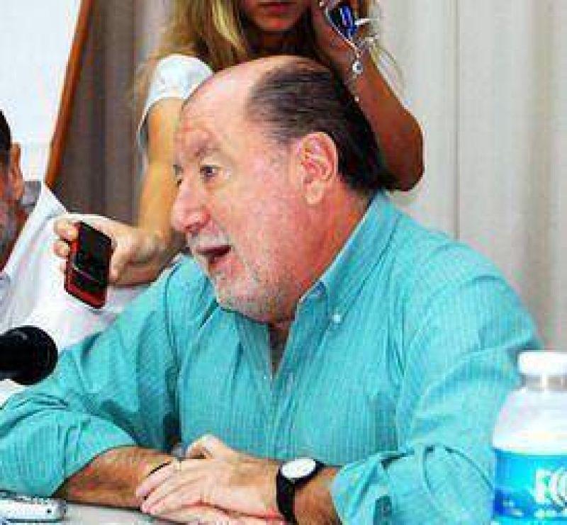 "Busti: ""Urribarri cree en Kirchner, yo no"""