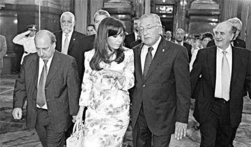 """Cristina rompió la """"tradición"""" en 2001"""