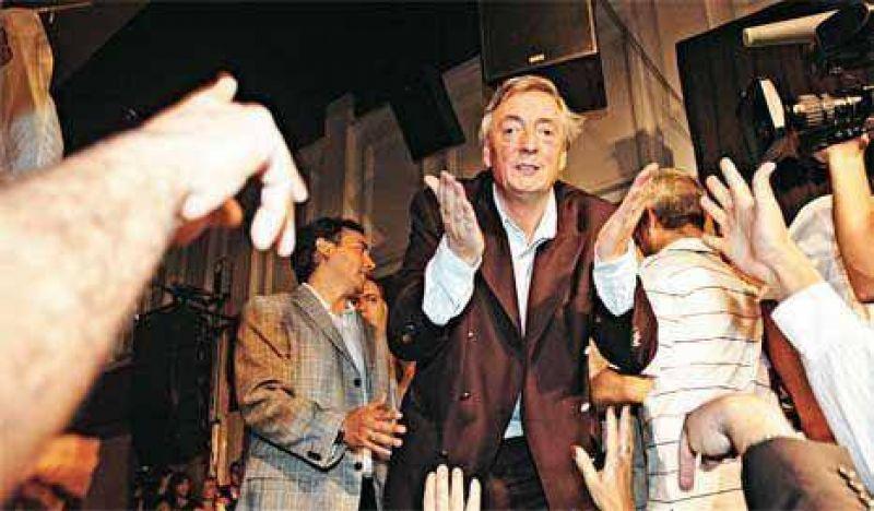 Kirchner suma heridos en su regreso al PJ