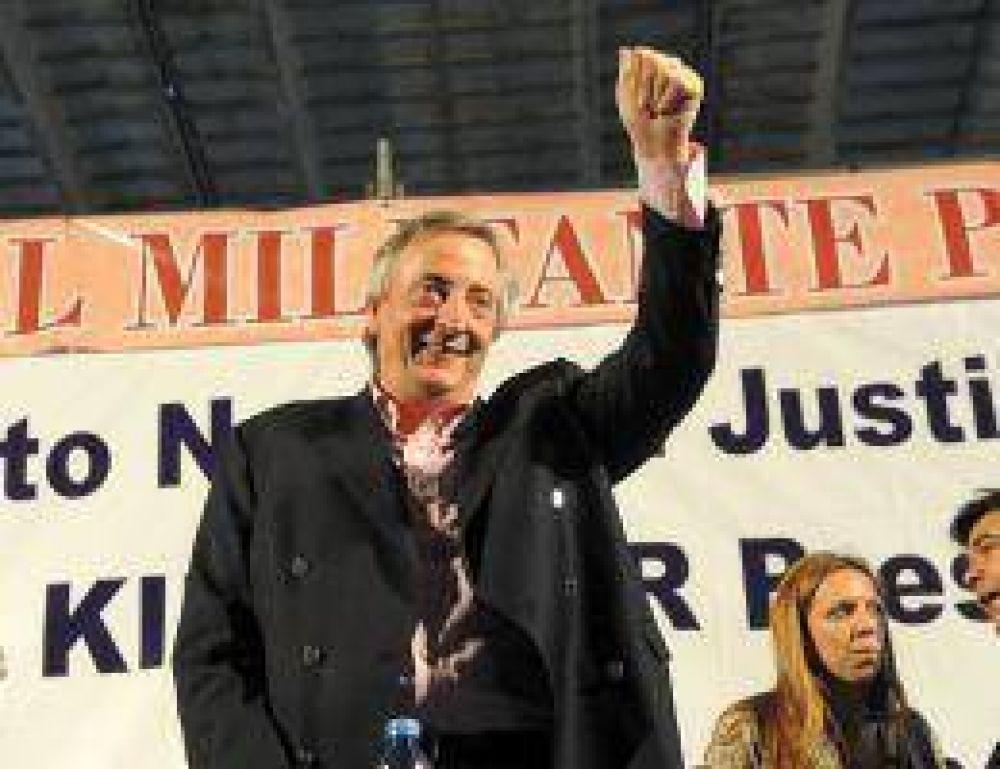 """Kirchner criticó a los que """"traban la gestión para volver a ser Gobierno"""""""