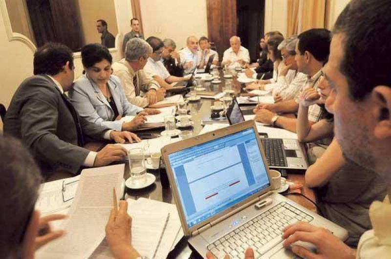 El debate por el reglamento potenció diferencias en el CAM