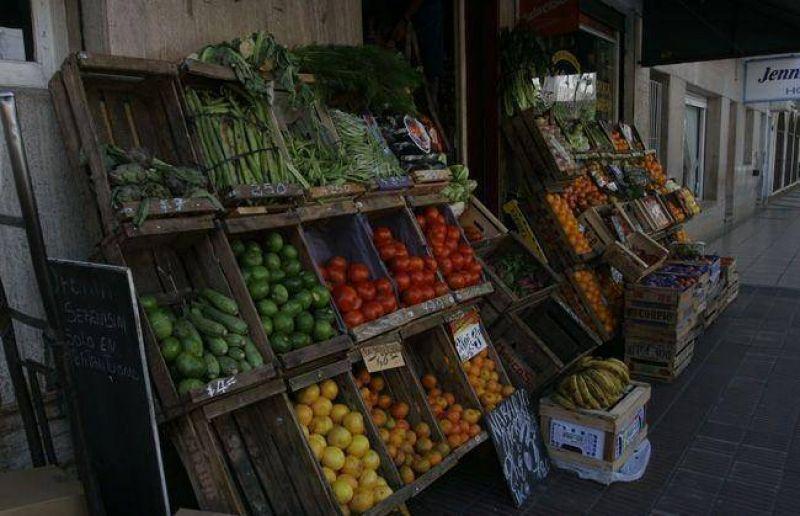 De la mano de productos estacionales, la canasta b�sica se increment� 1,3%