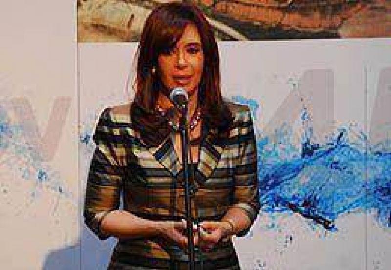 """Cristina a Macri: """"Jam�s se me ocurrir�a echarle la culpa a los dem�s por un error m�o"""""""