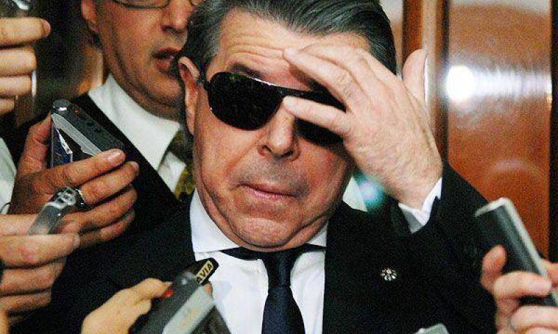 """Inspeccionaron tel�fonos de la AMIA para investigar """"pinchaduras"""""""