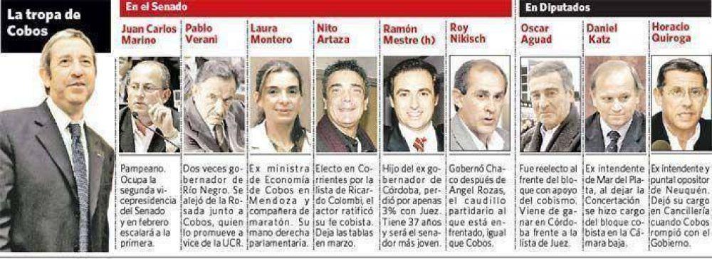 Cobos levanta el perfil legislativo para armar la vidriera de su modelo 2011
