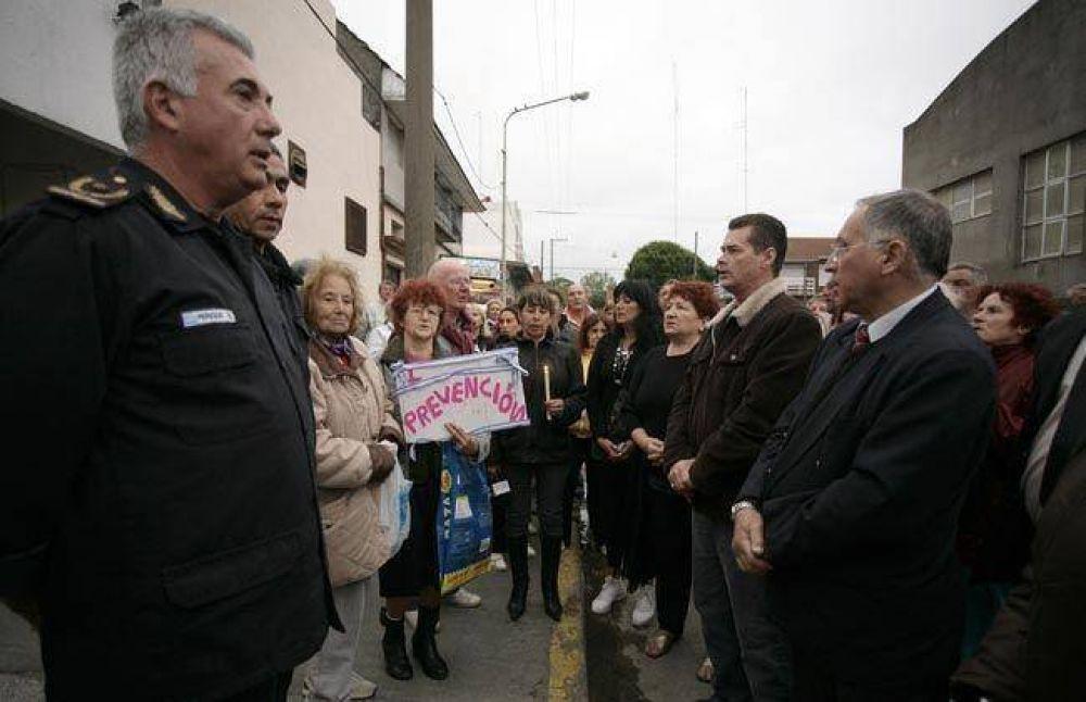 Vecinos del Puerto se movilizaron en reclamo de paz y seguridad