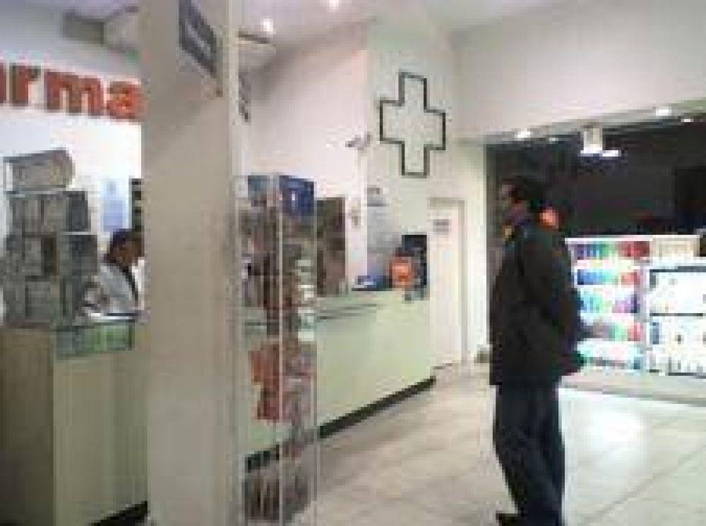 Afiliados a IOMA podrían perder descuentos en farmacias