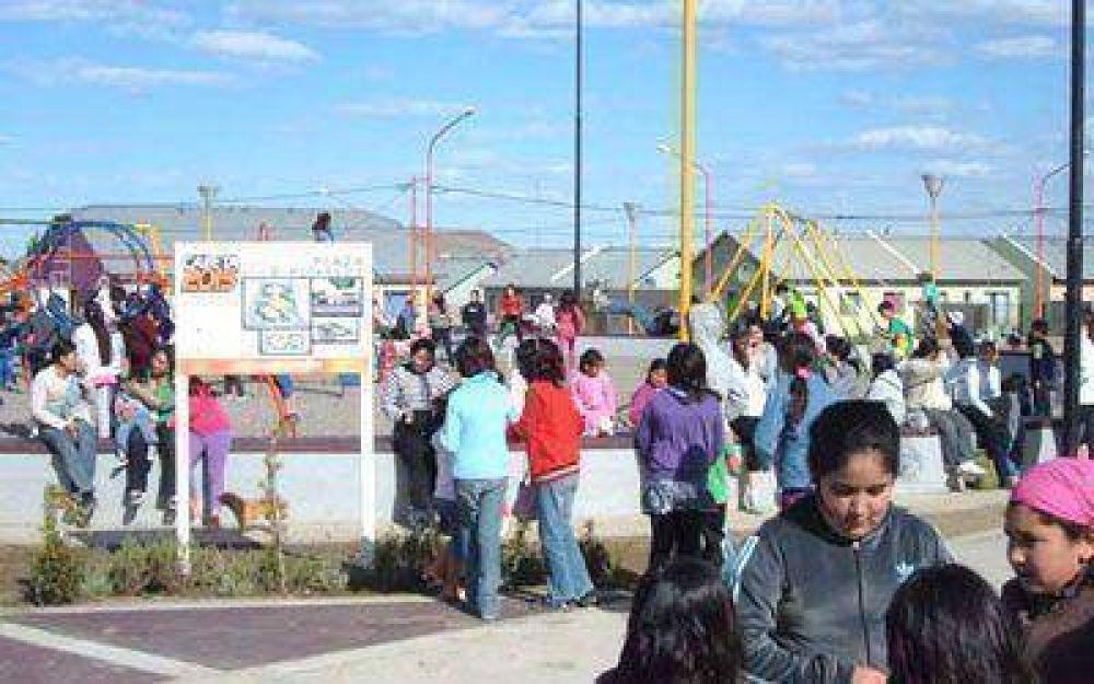 Inauguraron plaza y juegos infantiles en barrio Rotary 23