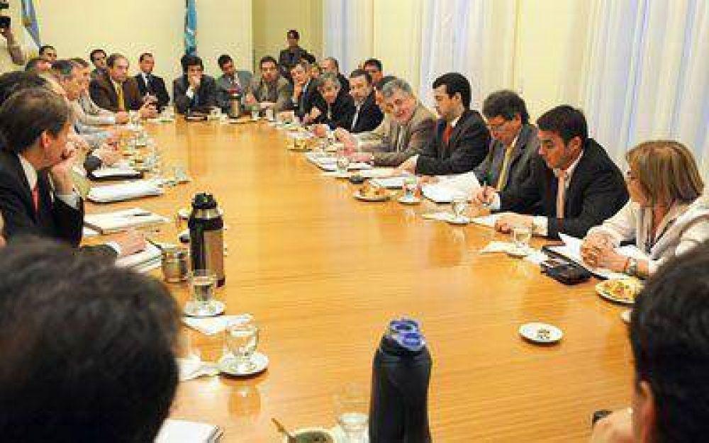 """Chubut finaliza el año con """"equilibrio presupuestario"""""""