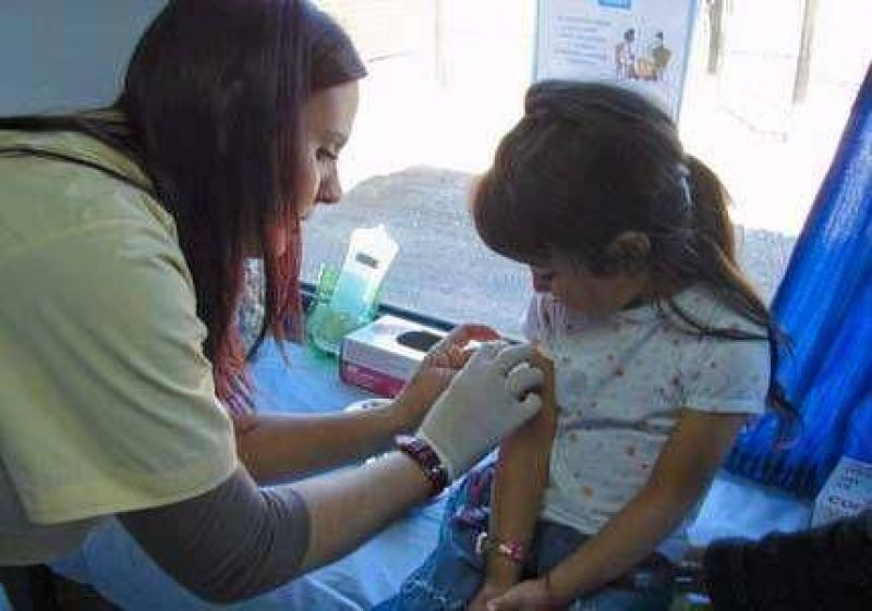 Refuerzan los operativos de vacunación en toda la provincia