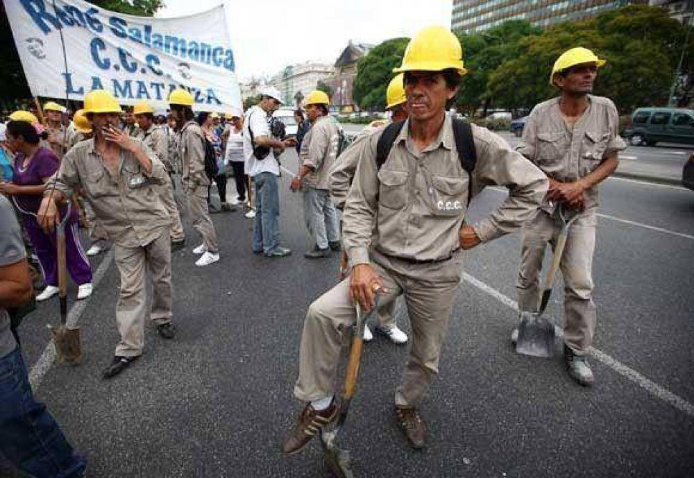 Las protestas coparon la ciudad y amenazan con más piquetes