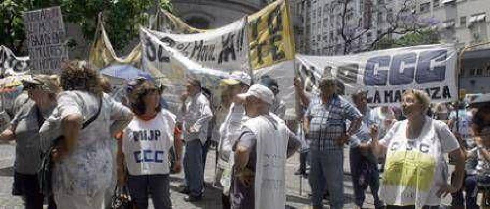 Hoy habrá más marchas y cortes en la Capital
