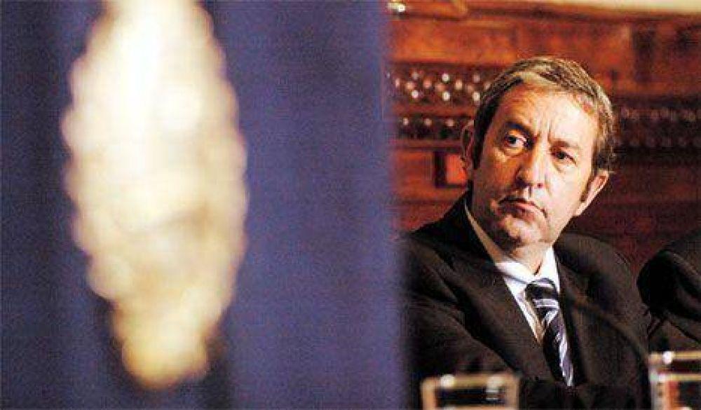 Los senadores electos juraron ante Julio Cobos