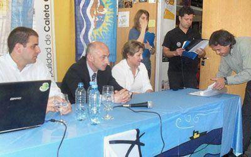 Municipio de Caleta Olivia concede internet gratis para todas las escuelas