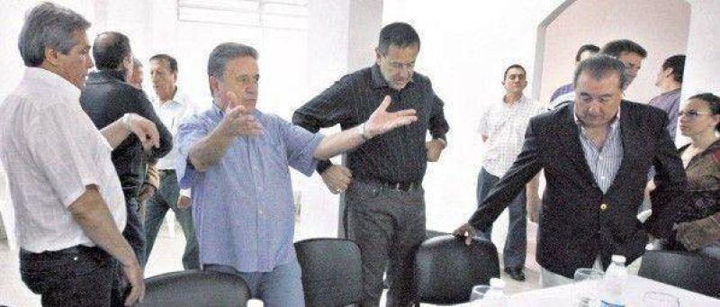 """La ma�ana en la que Duhalde pidi� """"echar a Kirchner"""""""