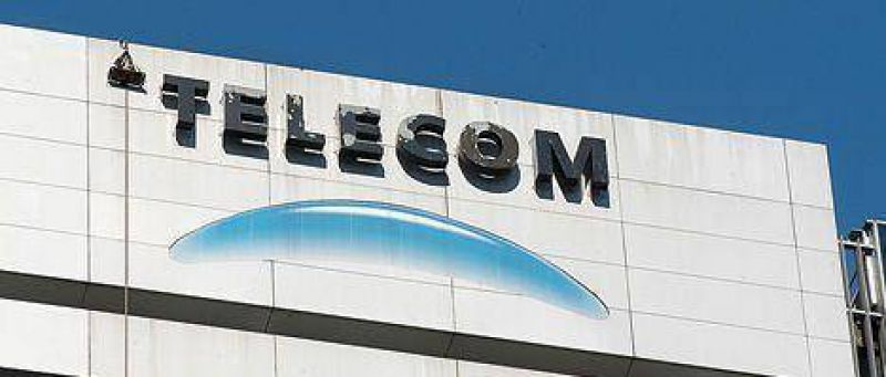 Recrudece la batalla entre seis grupos que pelean por Telecom