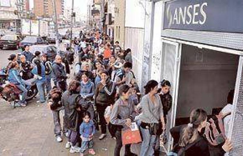 En dos a�os, subi� 47% el pago de subsidios por desempleo