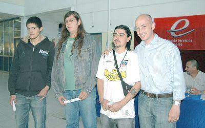 Otorgan certificados de auxiliares de miner�a a desocupados de Caleta
