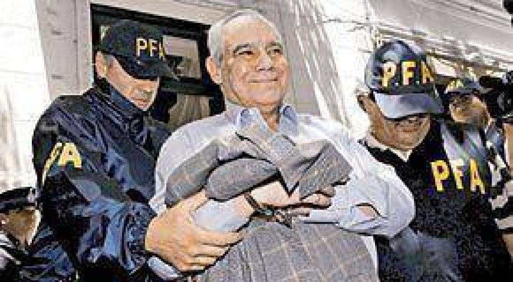 Mafia de remedios: cayó Zanola y buscan a un ex funcionario