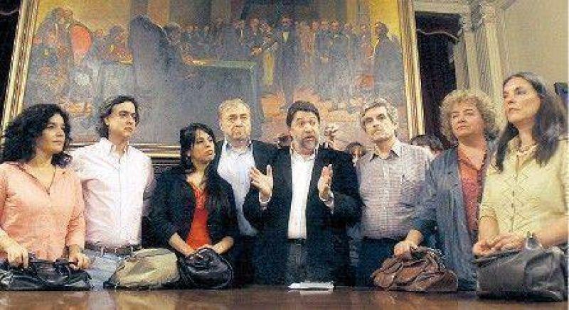 Acuerdo para frenar al oficialismo en Diputados
