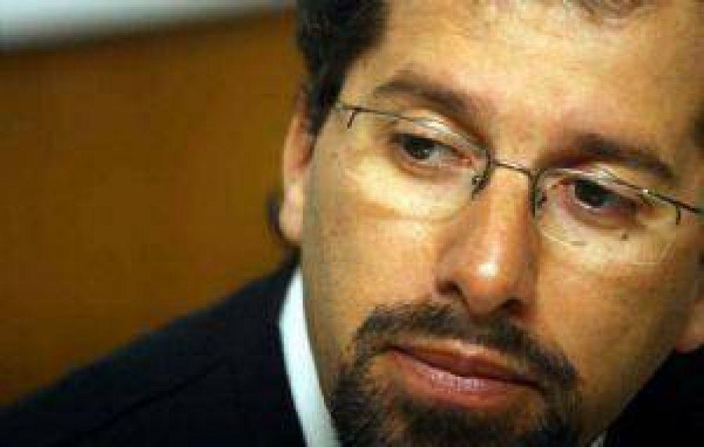 Cazabán va a Diputados en plena ofensiva por el protagonismo político