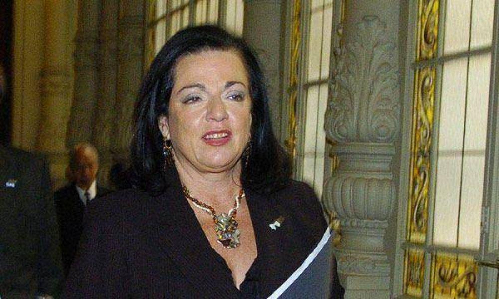Ascensos: militares denunciaron a Nilda Garré por discriminación