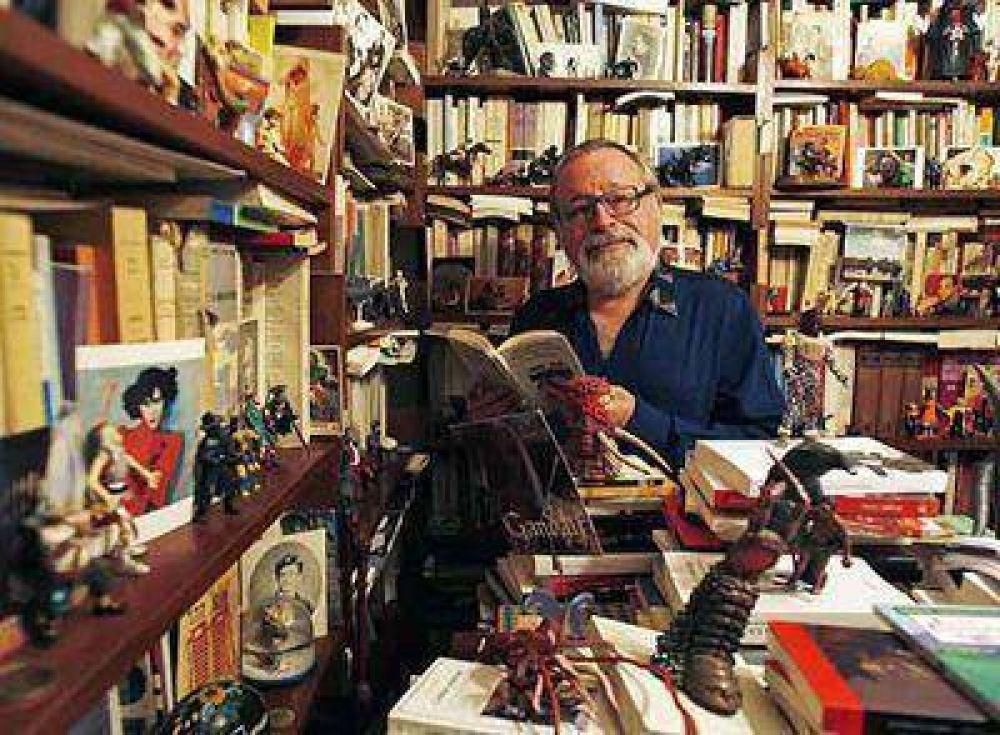 Arriba a la ciudad el escritor español Fernando Savater