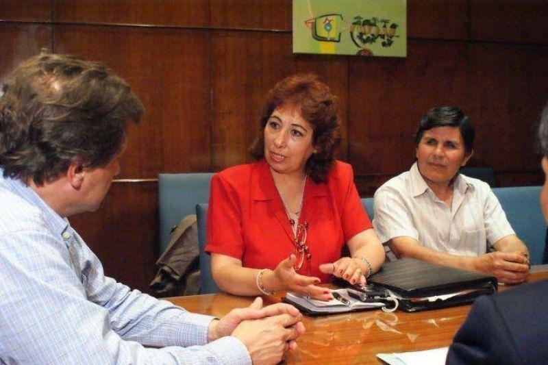 El Intendente se reunió con el Centro de Residentes Bolivianos