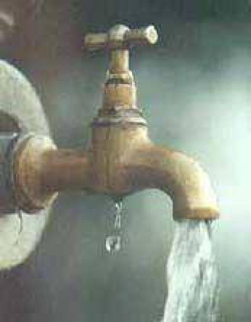 Todavía no se comenzó a reducir el flujo a de agua a los deudores de tasas