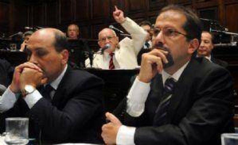 El Gobierno acusó a Vila y Manzano de extorsionarlo