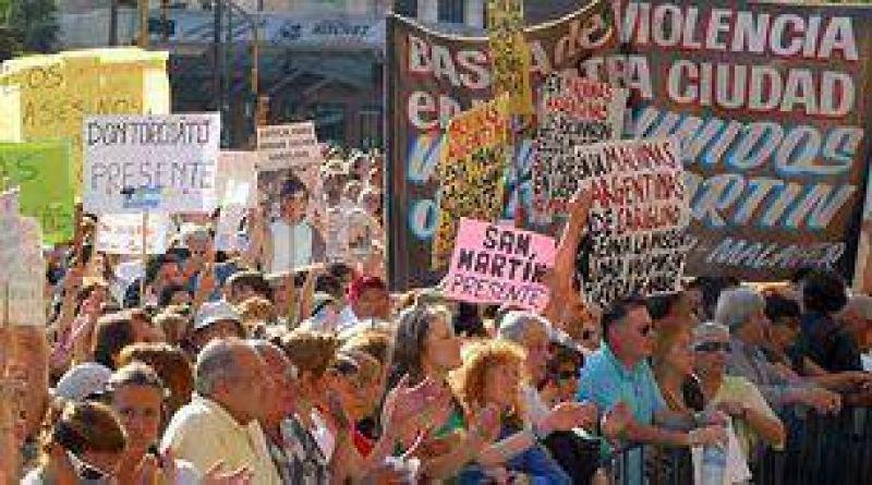 Vecinos de San Isidro piden juicio político para magistrado que dejó libres a criminales