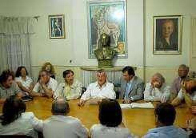 Internas en PJ: No hay se�ales del sucesor de Gioja para 2011