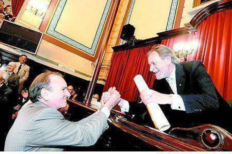 Juraron los legisladores con pol�mica en el Senado