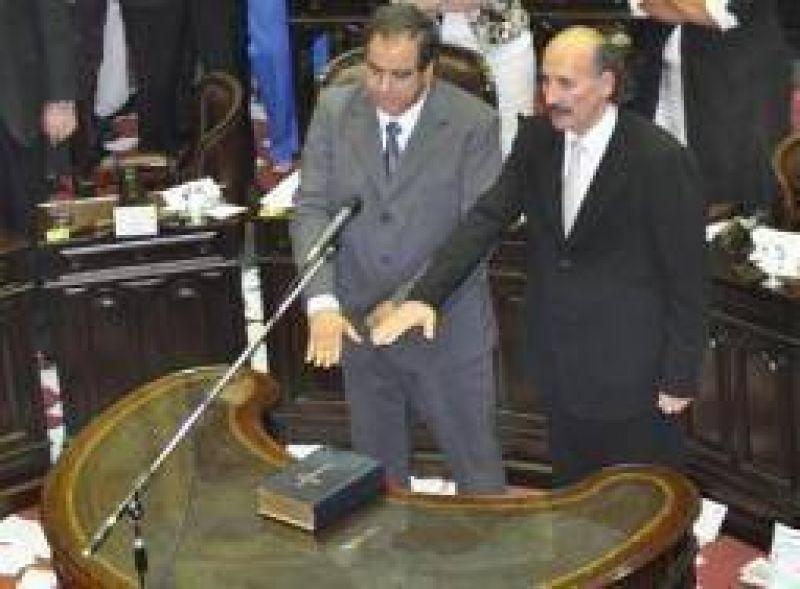 Asumieron como diputado nacional los riojanos Jorge Yoma y Julio Mart�nez