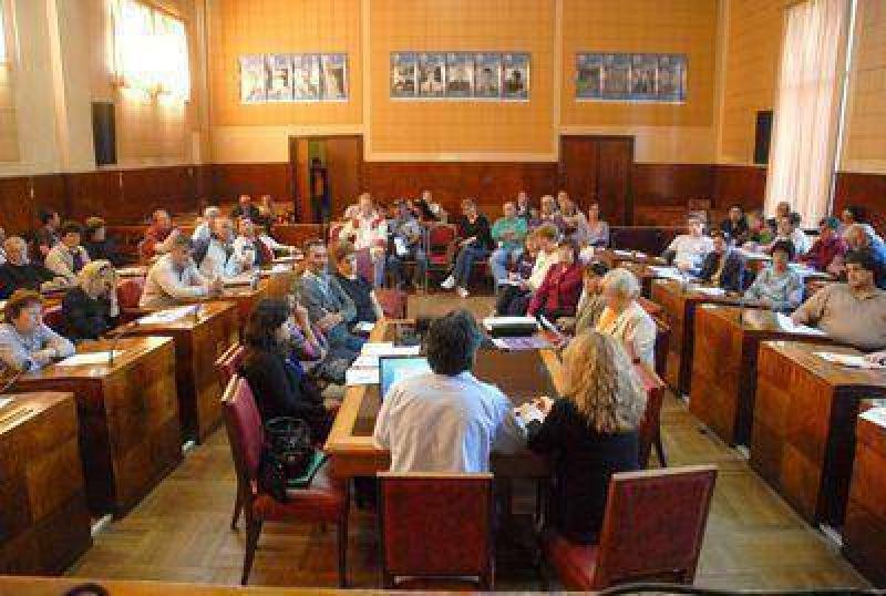 Fomentistas impulsan cambios en los convenios con el municipio