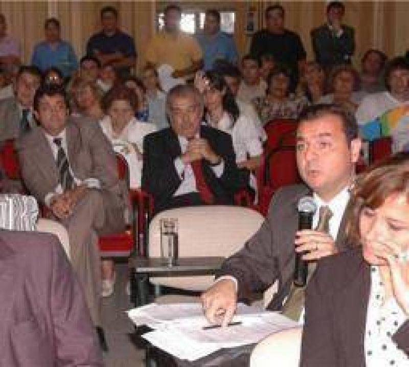 Fuerte debate en la primera sesi�n de la flamante C�mara de Diputados