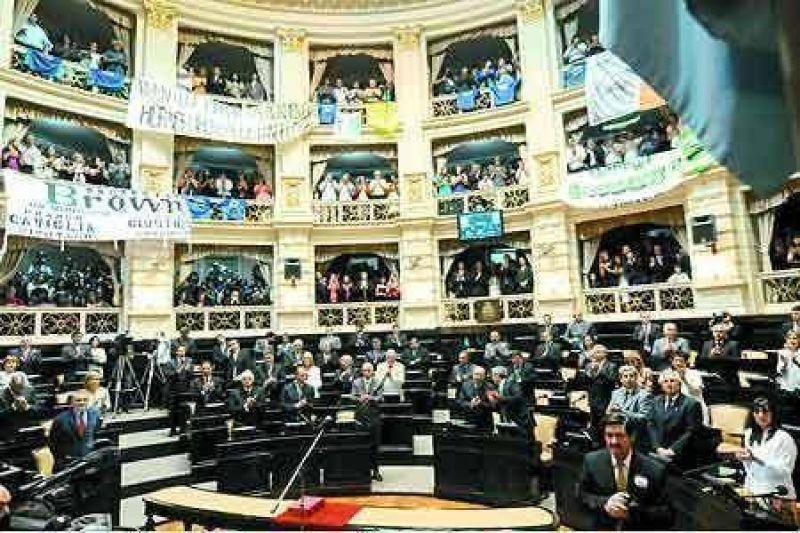 Reforma política amplían la cantidad de legisladores