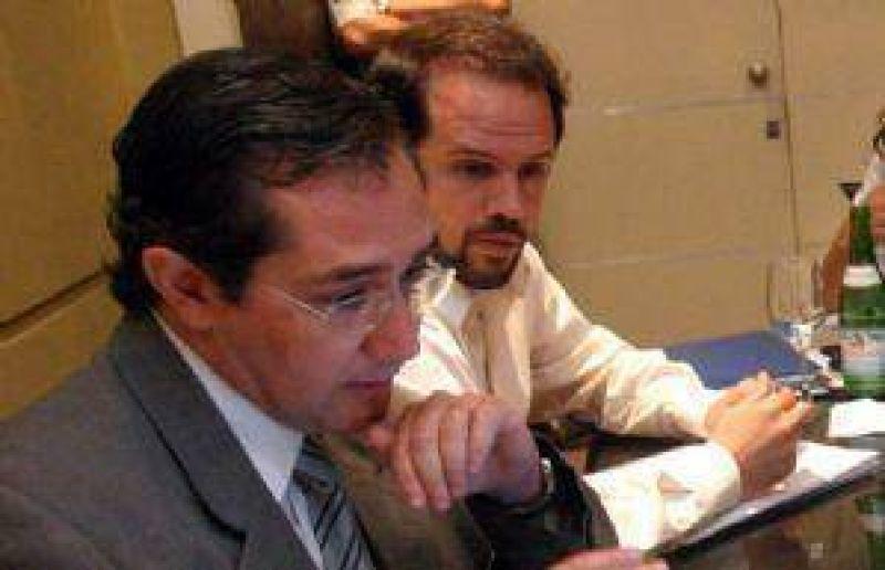 Cruce de acusaciones por deudas entre el Senado y Diputados