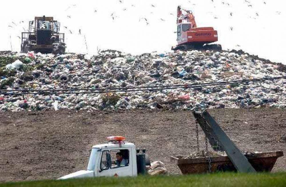 San Miguel y la Ciudad se reúnen por la basura