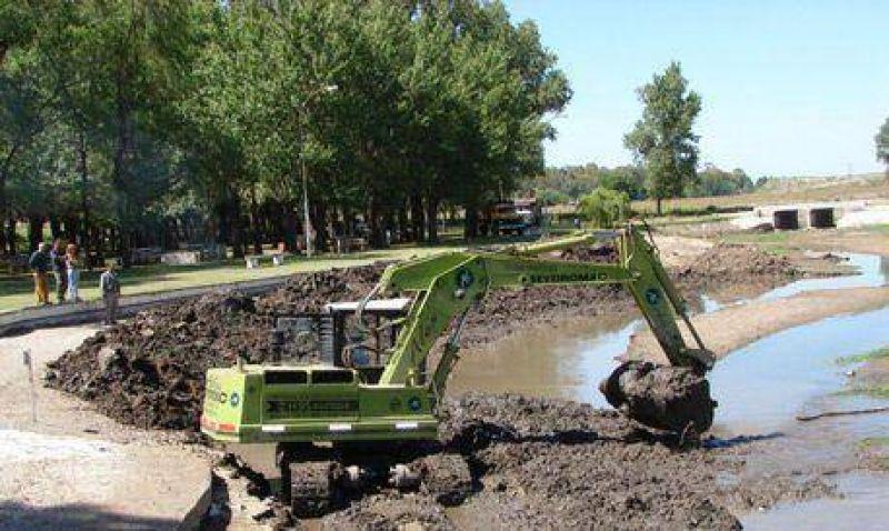 El Gobierno Municipal comenz� con el dragado del Balneario de Colonia San Miguel