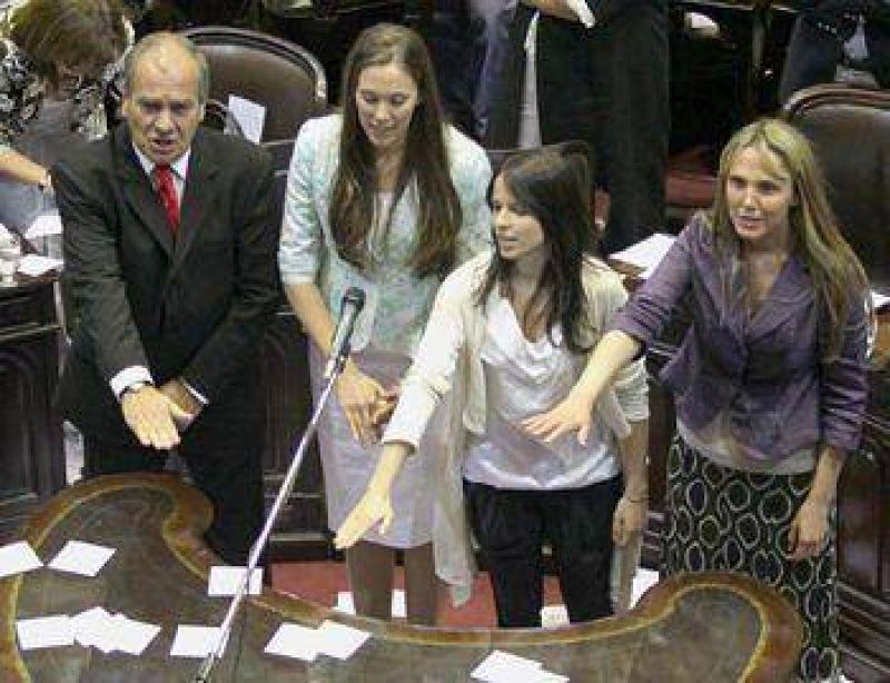 Gladys Gonz�lez jur� como diputada nacional