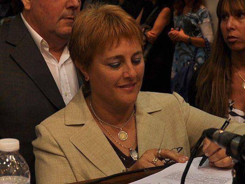 La alicista Eva Cura preside el bloque del eseverrismo