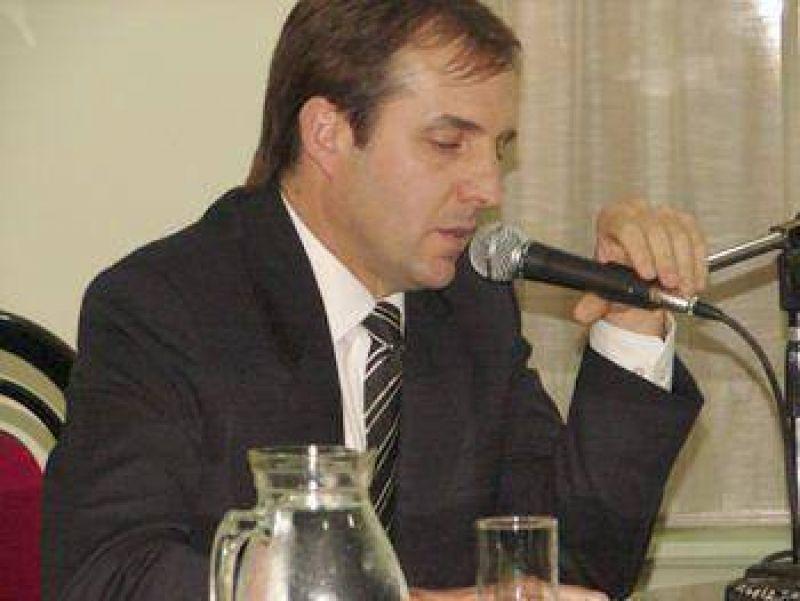 Jos� Gabriel Erreca asume hoy como intendente hasta 2011, en reemplazo de Juan Carlos Sim�n