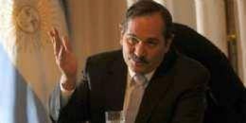 Alperovich prevé un 2010 con reclamos salariales