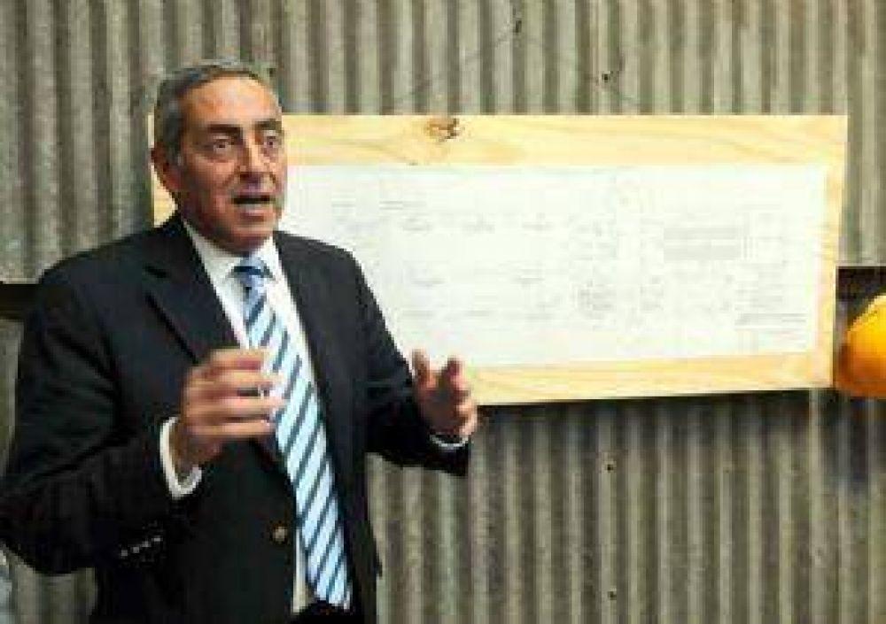 La oposición acusa de autoritario a Fayad por vetar sus ordenanzas