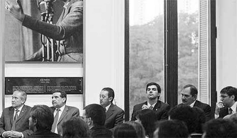 Gobernadores con el s�ndrome N�stor en las Legislaturas