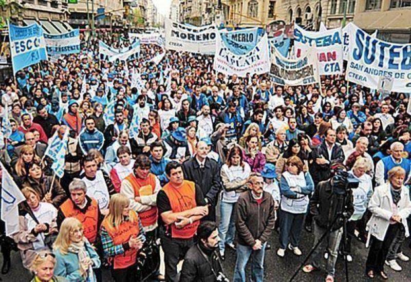 Gremios docentes aguardan convocatoria por sueldos
