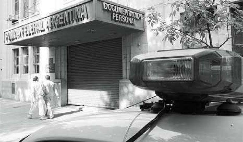Documentos en un ex centro clandestino