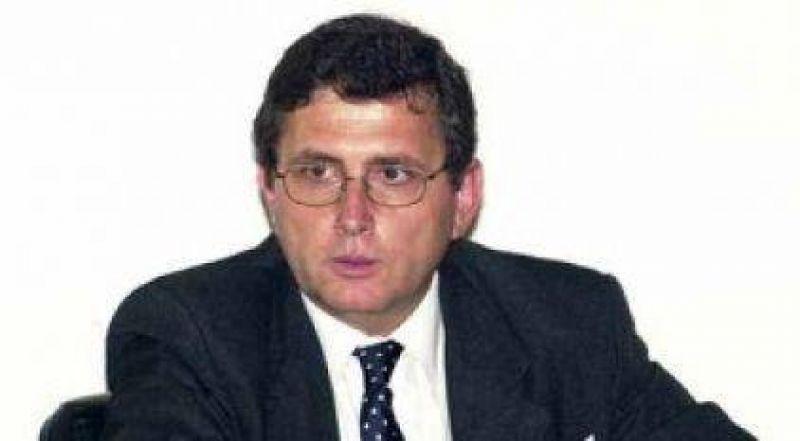 """Schneider: """"Hay una situaci�n de ahogo fiscal en muchos municipios y comunas"""""""